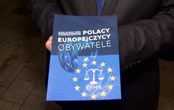 """Podręczniki """"Polacy, Europejczycy, Obywatele"""" już w rękach uczniów"""