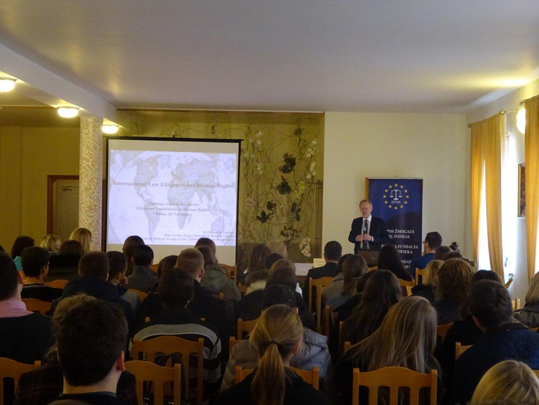 """Druga część sesji szkoleniowej EFHR pt. """"Wdrażanie prawa międzynarodowego"""""""