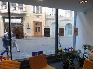Galeria plakatów konkursowych w Centrum Informacyjnym Komisji Europejskiej w Wilnie